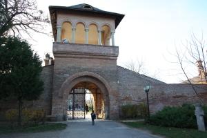 Poarta spre Palat
